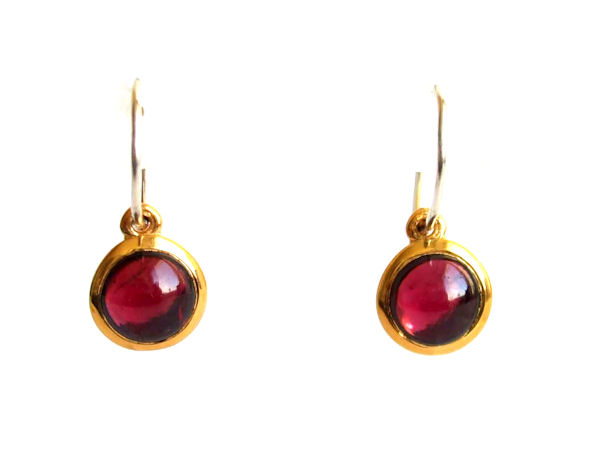 Garnet earrings in 18k gold - SHAPES